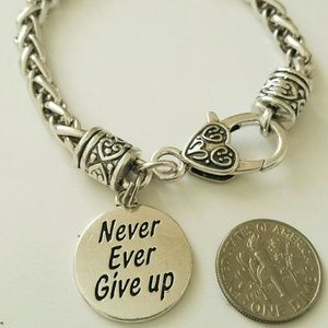 Jewelry - Never ever give up your dream bracelet fight hard